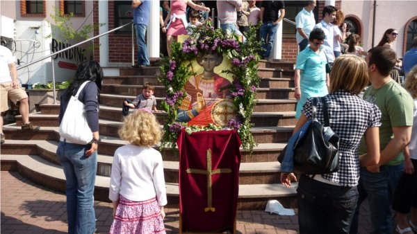 Heiliger-Georgios-Wiesbaden / Alljährliches Gemeindefest zu Ehren des Heiligen Georgios des Trophäenträgers