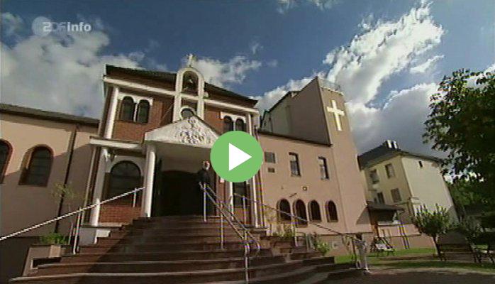 """ZDF-Dokumentation """"50 Meter Griechenland"""" von Susanne von Oertzen und Marcus Fill über unsere Gemeinde mit Interview vom Pater Georgios Papassalouros."""